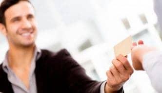 Las 10 claves para crear la tarjeta de visita perfecta que capte clientes y atraiga tráfico de calidad a tu sitio web. Incluye ejemplos de redacción comercial
